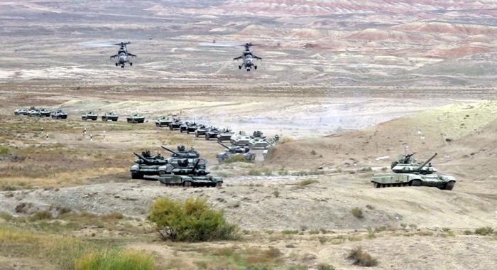 Naxçıvanda döyüş hazırlığı: Raketlərdən atəş açıldı (FOTOLAR)