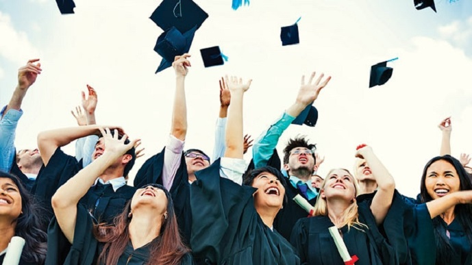 547613-universitystudents.jpg