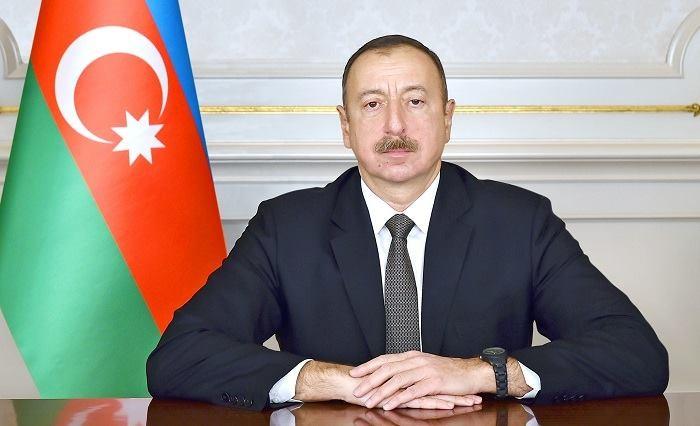 İlham Əliyev Gürcüstanın yeni prezidentini təbrik etdi